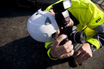 Zebicon mŒler Vestas vindm¿lle tŒrn pŒ havnen i Esbjerg. Zebicon is measuring Vestas tower at the port of Esbjerg, Denmark ©2009 Palle Peter Skov